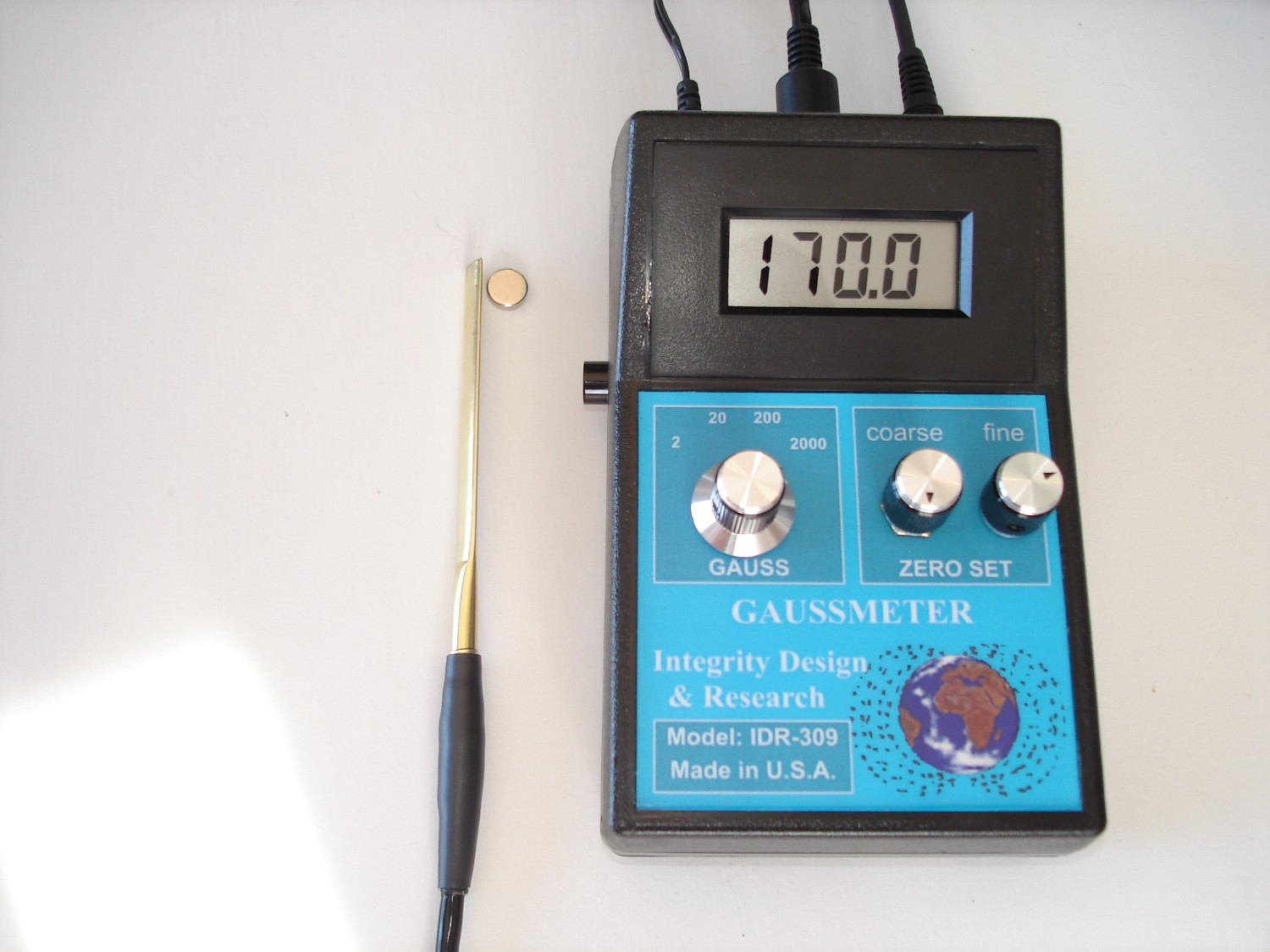 Electromagnetic Field Probe With Meter Output