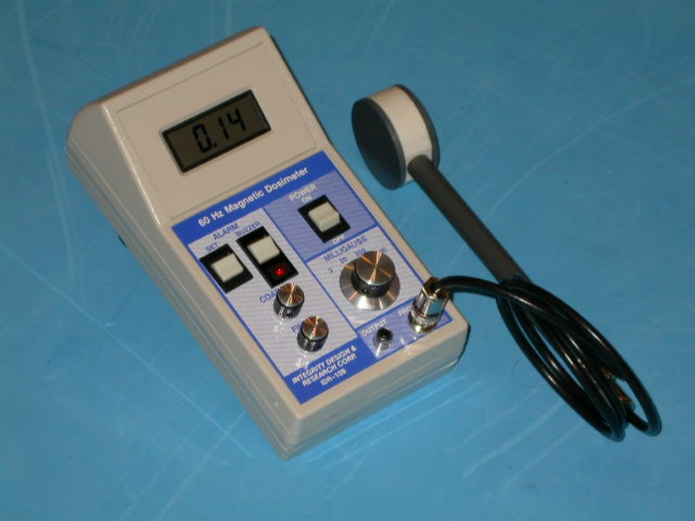 A picture of one of ELF gaussmeter IDR-109 is used by utilities,universities & government agencies. Reviewed by Radio Electronics magazine(5/90),EPA(june 1992), it has also become a prefered meter for field survey consultants